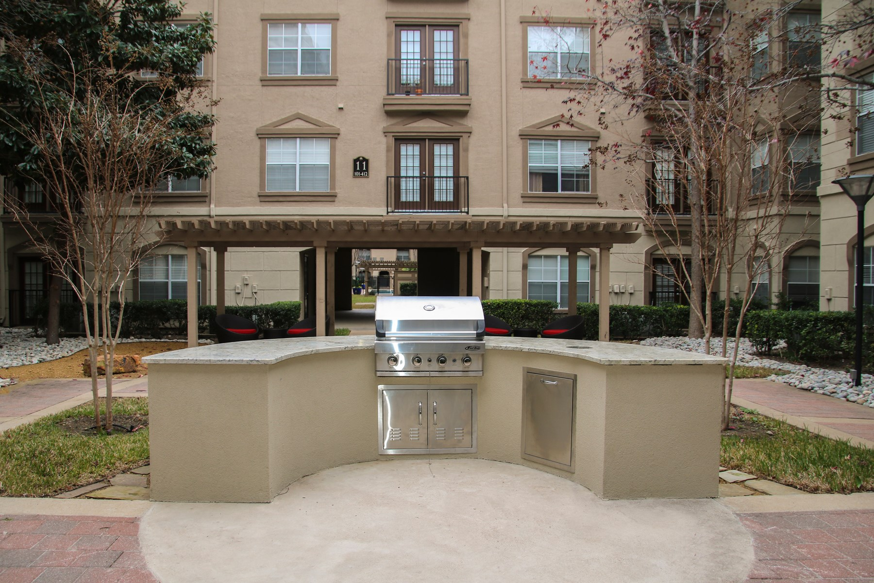 Grill at 7900 at Park Central Apartments in Dallas, TX