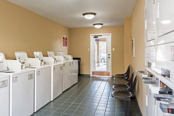 Laundry Facilities at Hudson Orchard Park Apartments, South Carolina 29615