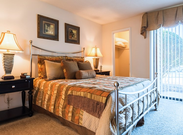 Master Bedroom at Hudson Orchard Park Apartments, Greenville