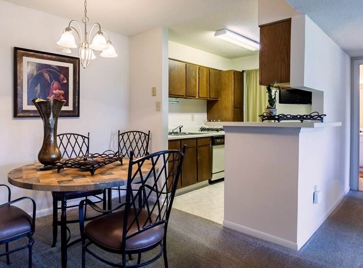 Model Dining Area at Hudson Orchard Park Apartments, SC 29615