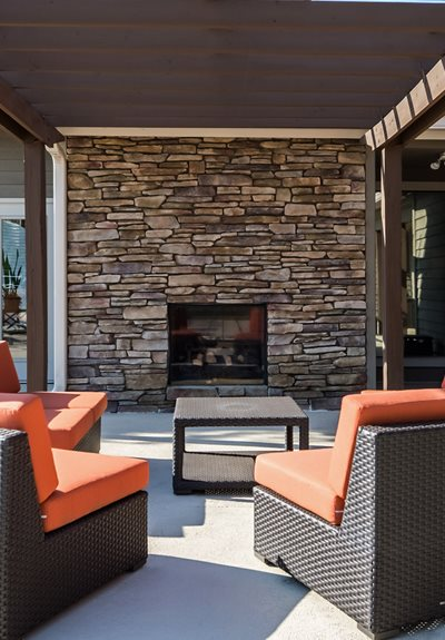 BBQ and Lounge Area at Hudson Orchard Park Apartments, Greenville, SC