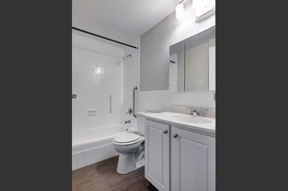 Rockingham Glen Apartments 30 Rockingham Avenue West