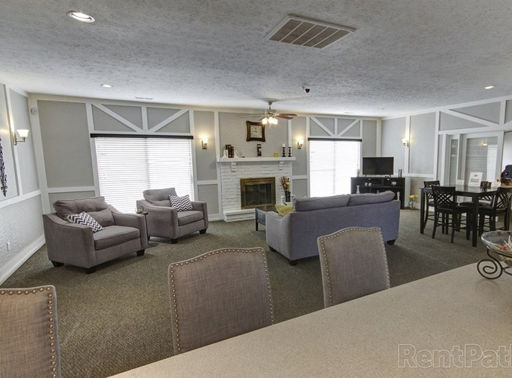 Ample Sitting Space In Clubhouse at Lake Camelot Apartments, Indiana, 46268