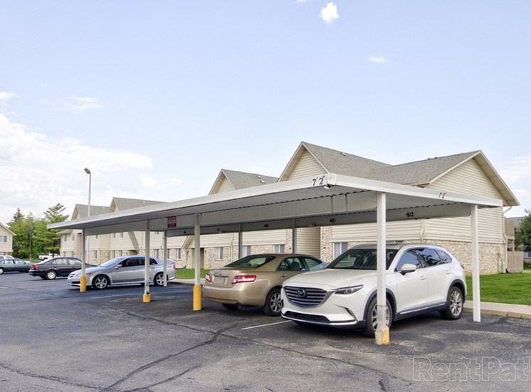 Garages Available at Lake Camelot Apartments, Indianapolis