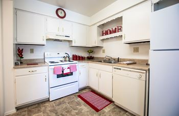 6475 Excalibur Ct 1-3 Beds Apartment for Rent Photo Gallery 1