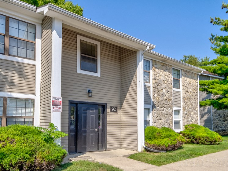 Property Exterior at Sandstone Court Apartments, Indiana