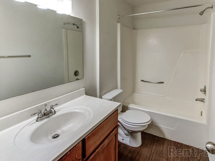 Luxurious Bathrooms at Sandstone Court Apartments, Indiana, 46142