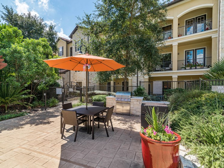 Picnic Area at 3500 Westlake Apartments in Austin, TX