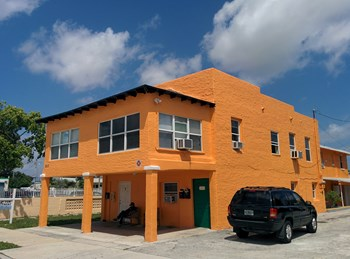 533 43rd  Street 1-3 Beds Apartment for Rent Photo Gallery 1