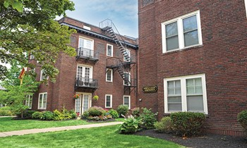21 Arnold Park Studio-2 Beds Apartment for Rent Photo Gallery 1