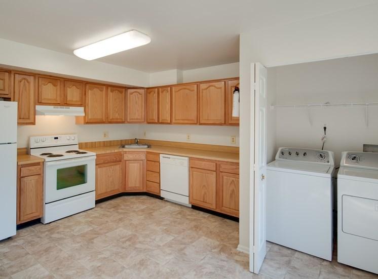 Falcon Crest Apartments Kitchen