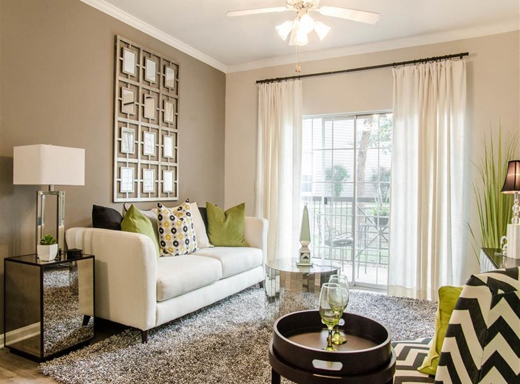 Apartments for Rent in Franklin, TN - Harpeth River Oaks Living Room
