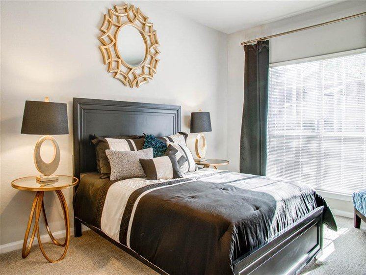 One Bedroom Apartments in Franklin, TN - Harpeth River Oaks Apartments Bedroom