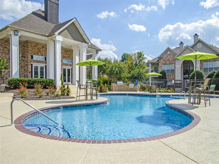 Apartments for Rent in Franklin, TN - Harpeth River Oaks Pool