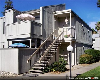 2405 WALNUT AVENUE 1-2 Beds Apartment for Rent Photo Gallery 1