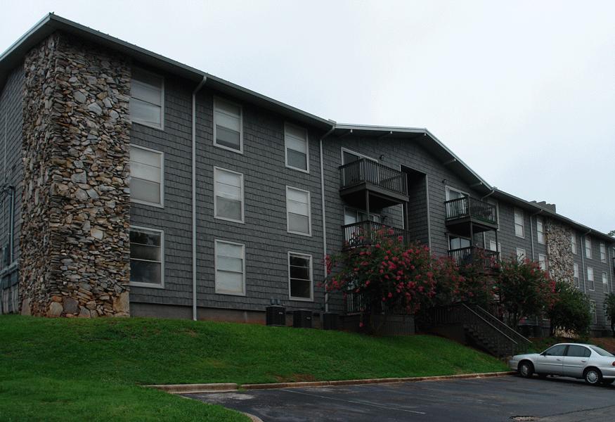 At High Pointe Apartments, Birmingham, 35209