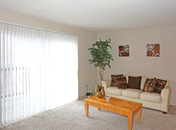 at High Pointe Apartments, Birmingham, AL, 35209