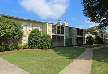 4611 Governors House Dr. SW 1-3 Beds Apartment for Rent Photo Gallery 1