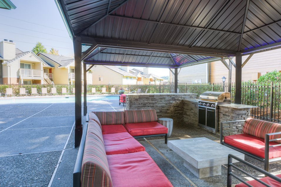 BBQ Area at Montevista at Murrayhill, 14900 SW Scholls Ferry Road, Beaverton, OR
