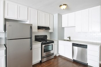 631 S. Maple Ave 2 Beds Apartment for Rent Photo Gallery 1