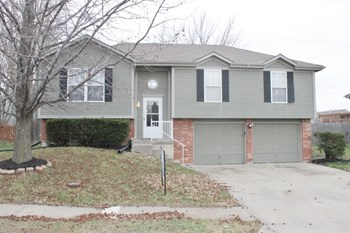 539 NE Summit Dr 3 Beds House for Rent Photo Gallery 1