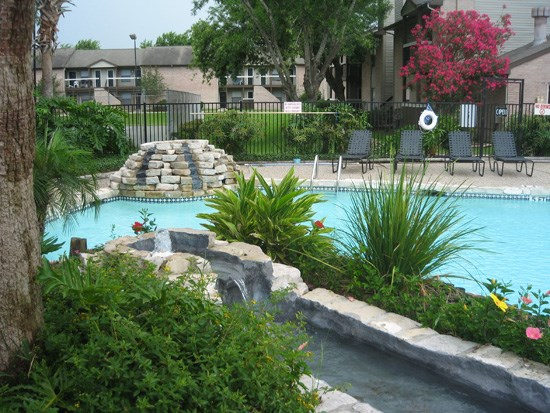 Lakes at Madera Apartments Photo Gallery 1
