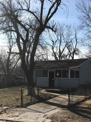7915 E 47th Ter 3 Beds House for Rent Photo Gallery 1