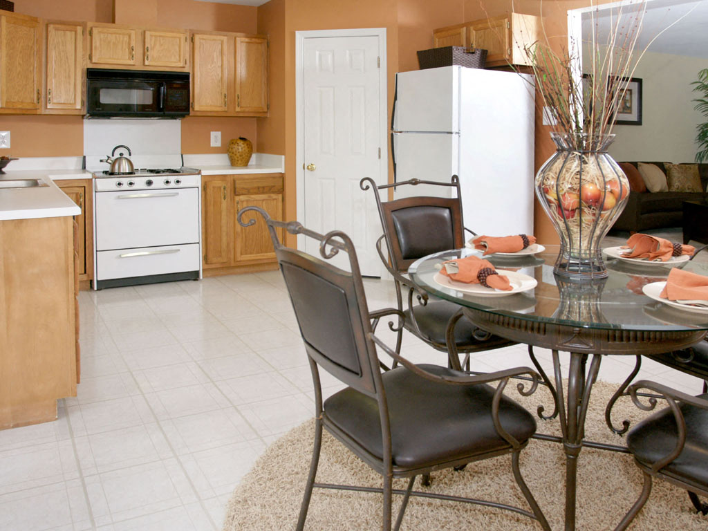 Carlson Woods Townhome Dining room - kitchen