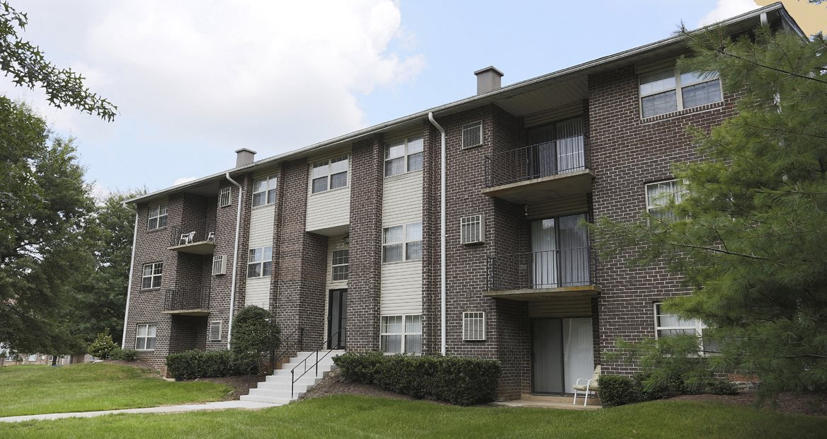 Deer Park Apartments Front Exterior