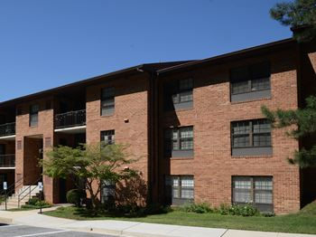 101 Kenilworth Park Drive, 2B 2-3 Beds Apartment for Rent Photo Gallery 1