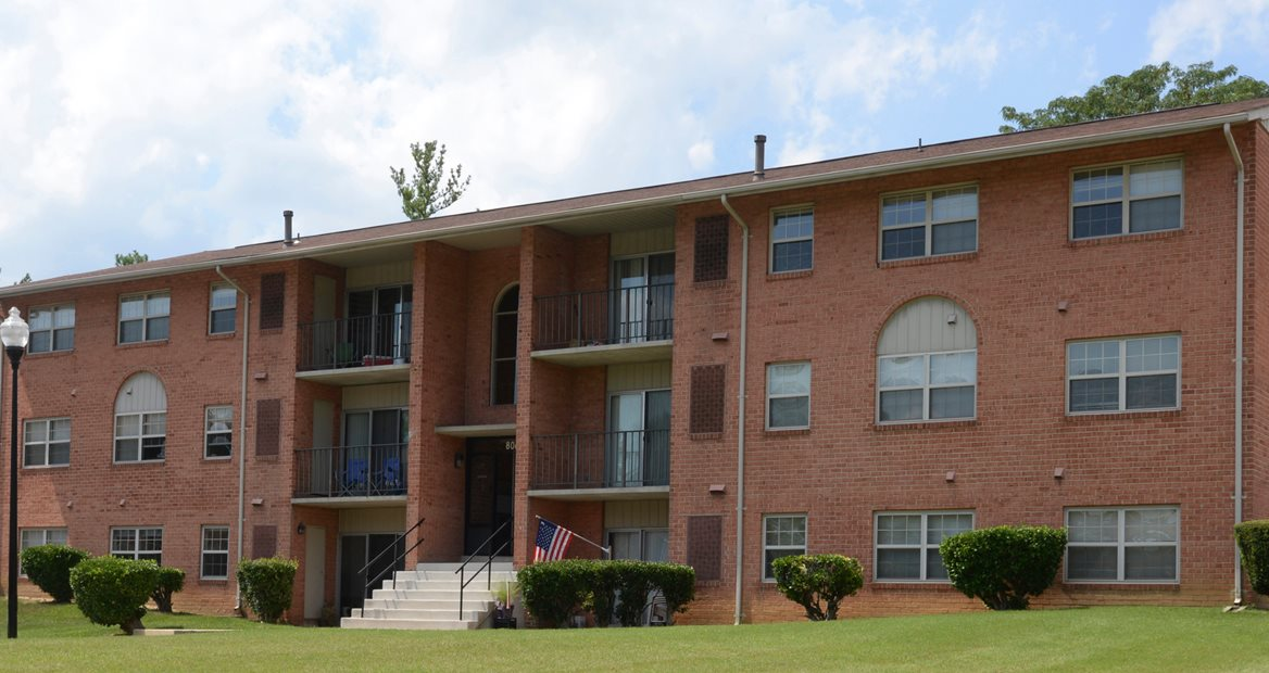 Seminary Roundtop Apartments | Apartments in Lutherville, MD