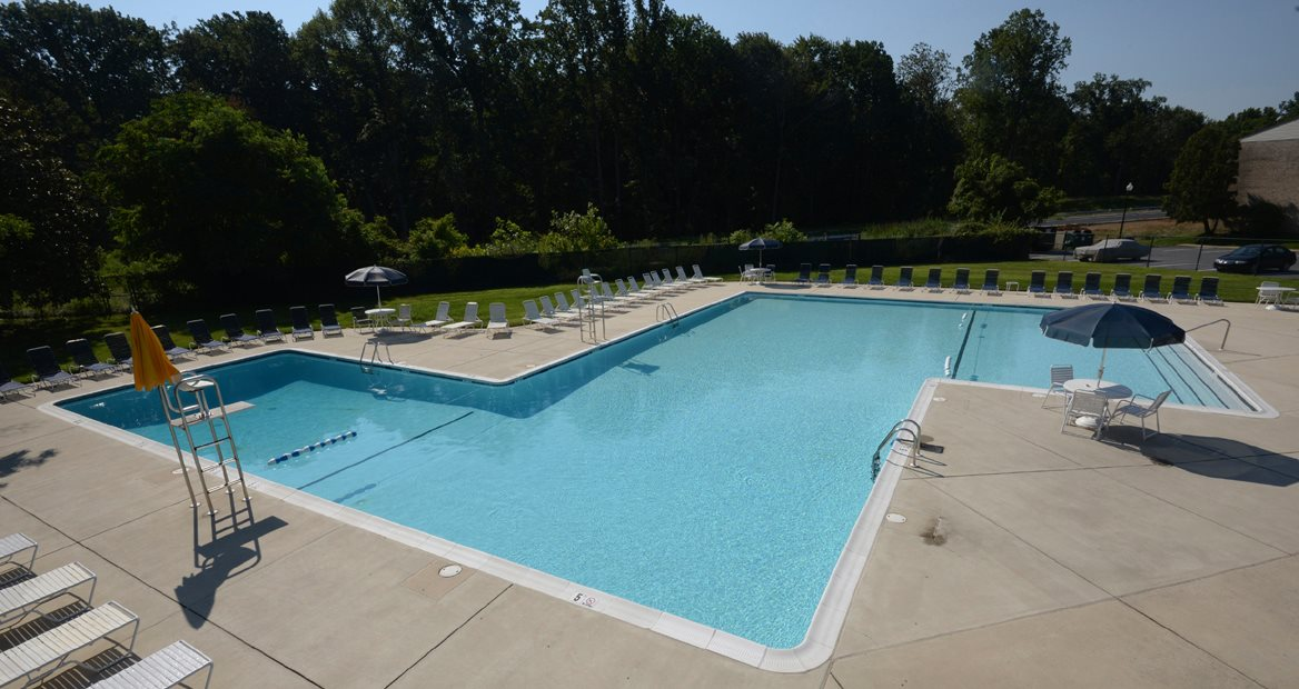 Pool Side Relaxing Area at Woodridge Apartments, 3901 Noyes Circle, Randallstown, 21133