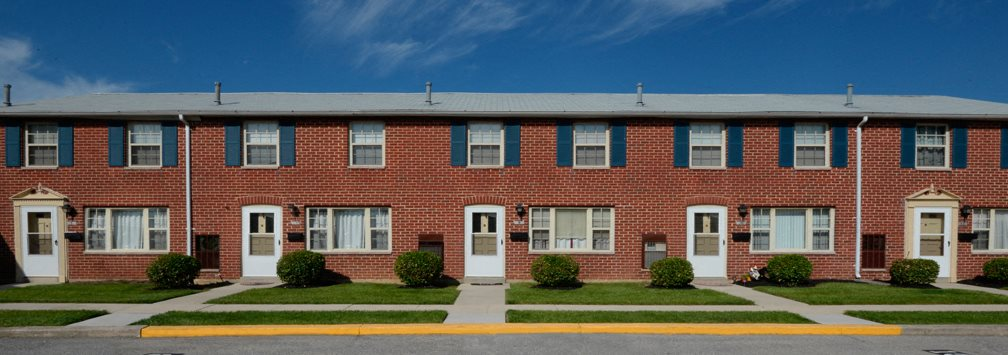 Yorktowne Townhomes Exterior Front