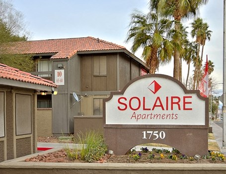 Solaire Apartments Community Thumbnail 1