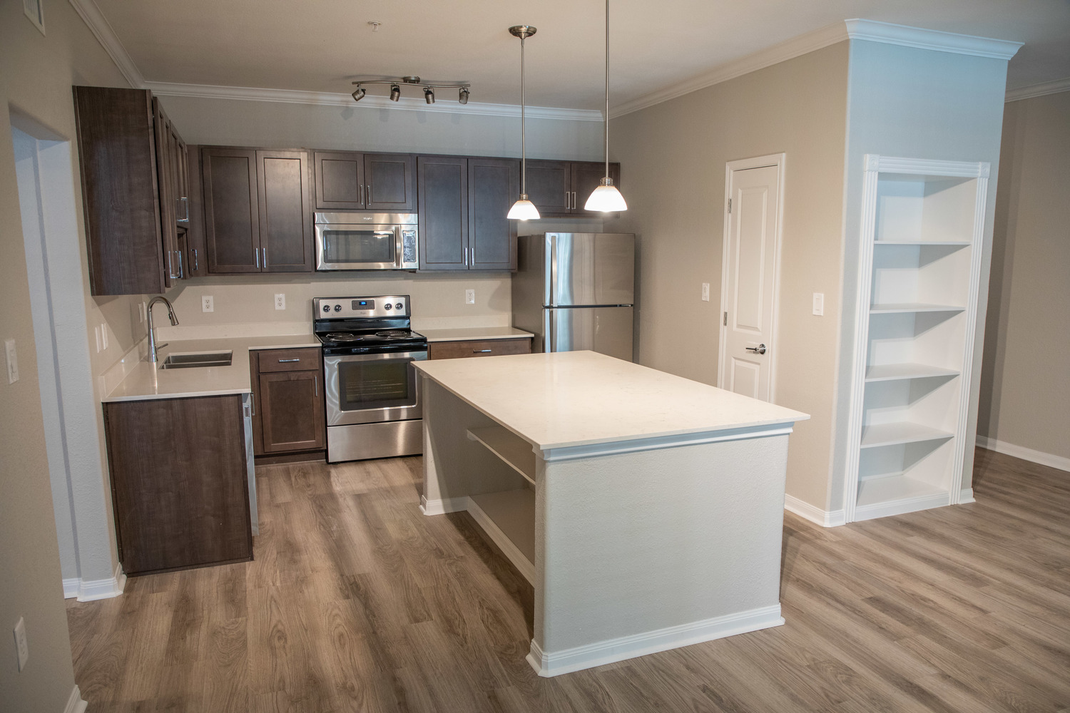 Contemporary Kitchen Finishes at Marquette at Piney Point, Houston, 77063