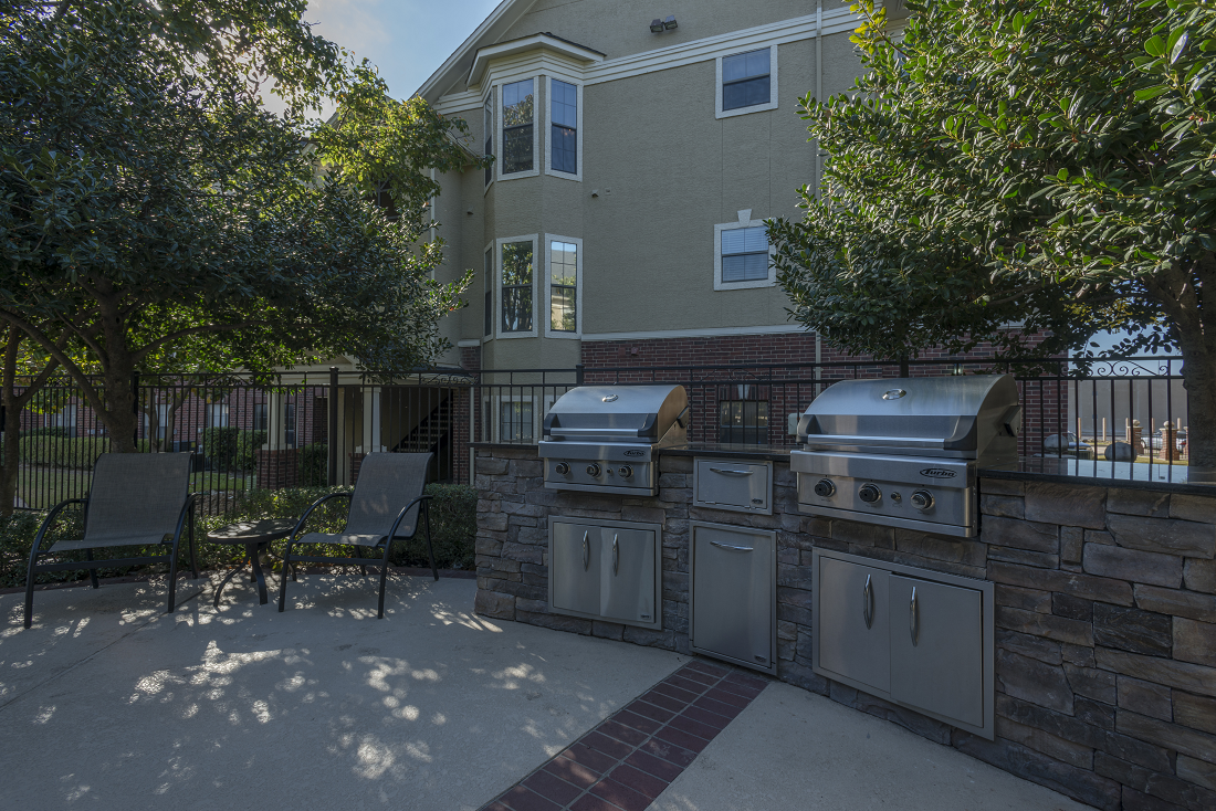 Outdoor Grilling Area at Marquette at Preston Park, Plano, TX, 75093
