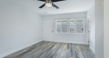 1800 North Kingsley Drive, 1 Bed Apartment for Rent Photo Gallery 1