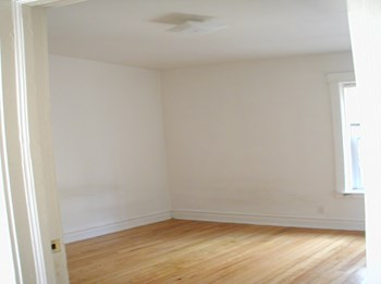 4415 - 4425 N. Hazel Street 1-2 Beds Apartment for Rent Photo Gallery 1