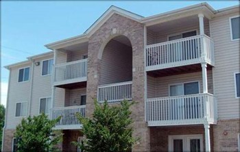 1830 20th Avenue Drive Northeast 2-3 Beds Apartment for Rent Photo Gallery 1