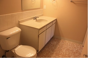 651 Schiller St 2 Beds Apartment for Rent Photo Gallery 1