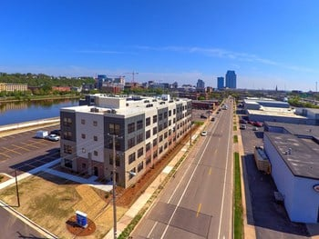 936 Front Avenue NW 1-2 Beds Apartment for Rent Photo Gallery 1