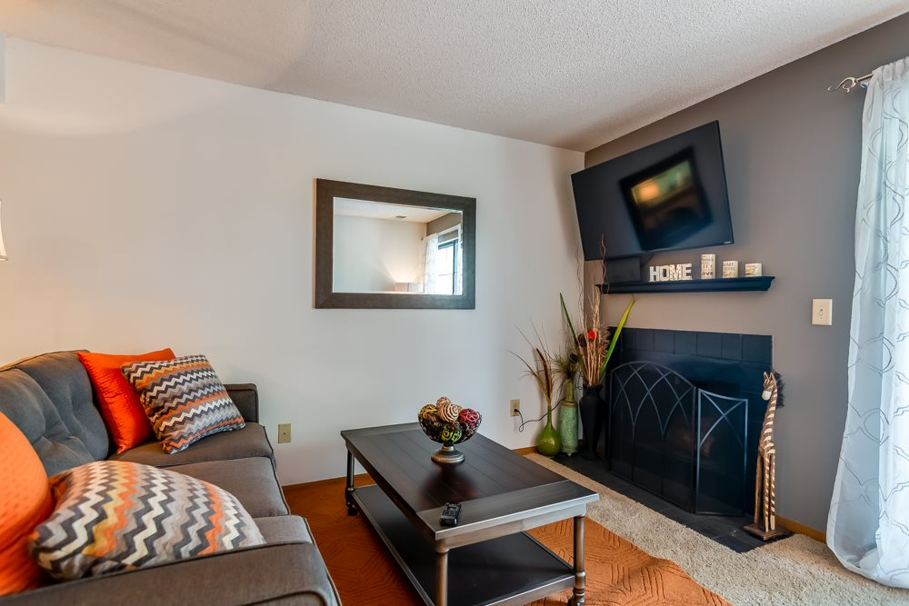 Apartments with fireplaces at The Retreat at Woodridge in Lenexa, KS and in Kansas City, MO