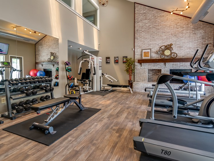 New 24 Hour Fitness Gym at The Retreat at Woodridge Apartments in Lenexa, KS