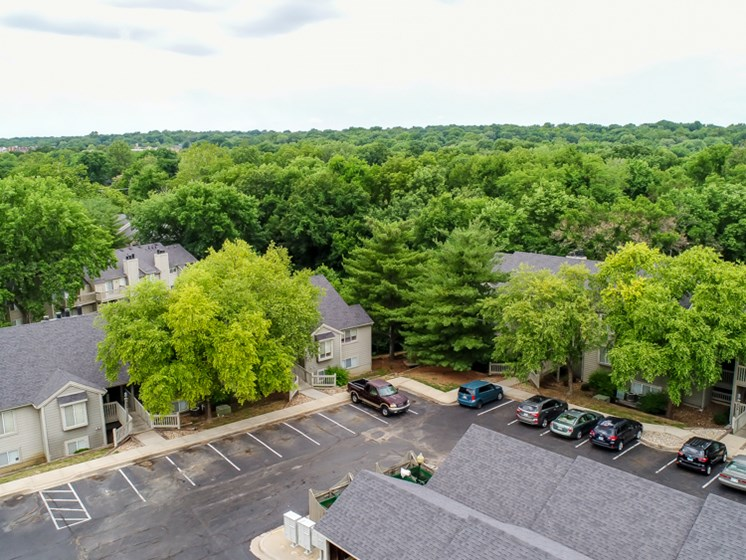 Carports and covered parking at The Retreat at Woodlands Apartments in South Kansas City, MO