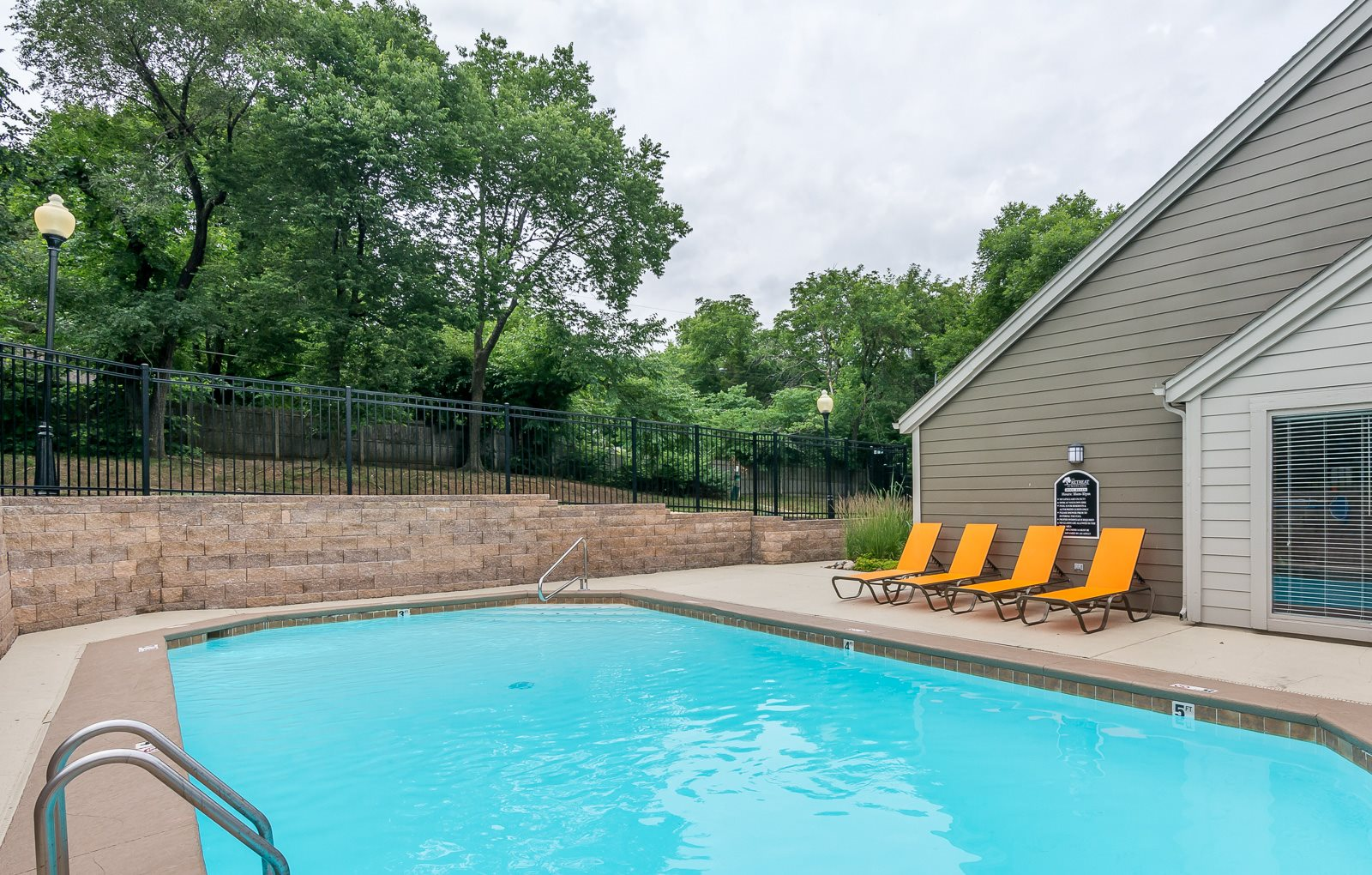 Updated pool at The Retreat at Woodlands Apartments in South Kansas City, MO