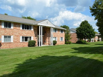 41 Highmanor Drive 1-2 Beds Apartment for Rent Photo Gallery 1
