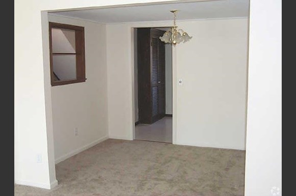 Country Hill Estates Apartments, 4900-5000 East Henrietta Road ...