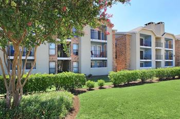3750 Rosemeade Parkway 1-2 Beds Apartment for Rent Photo Gallery 1