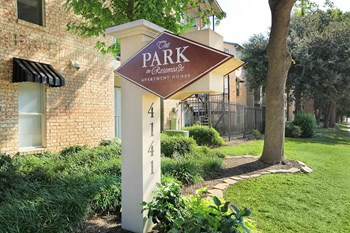 4141 Rosemeade Pkwy Studio-2 Beds Apartment for Rent Photo Gallery 1