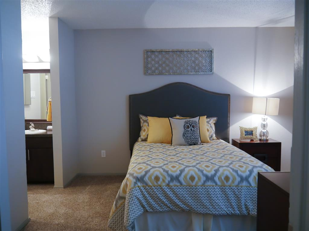Live in cozy bedrooms at Trails of Towne Lake,TX 75061